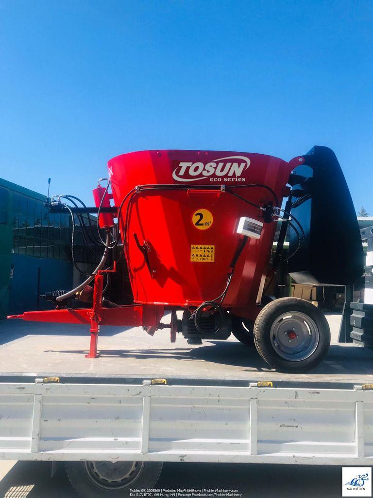 Máy trộn TOSUN TMR 2m3 dùng trong chăn nuôi