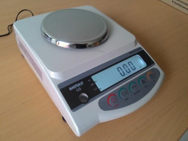 Cân điện tử GS-3202 3200 g/ 0.01 g