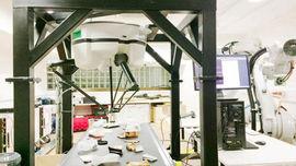 Hệ thống robot tự động sử dụng AI phân loại rác tái chế