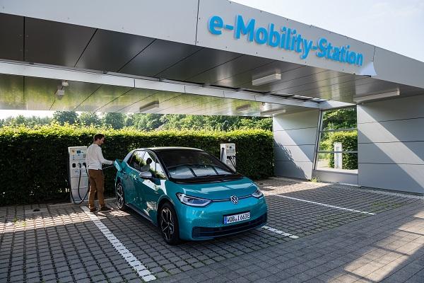 Xây dựng các siêu nhà máy sản xuất pin cho ôtô điện tại châu Âu
