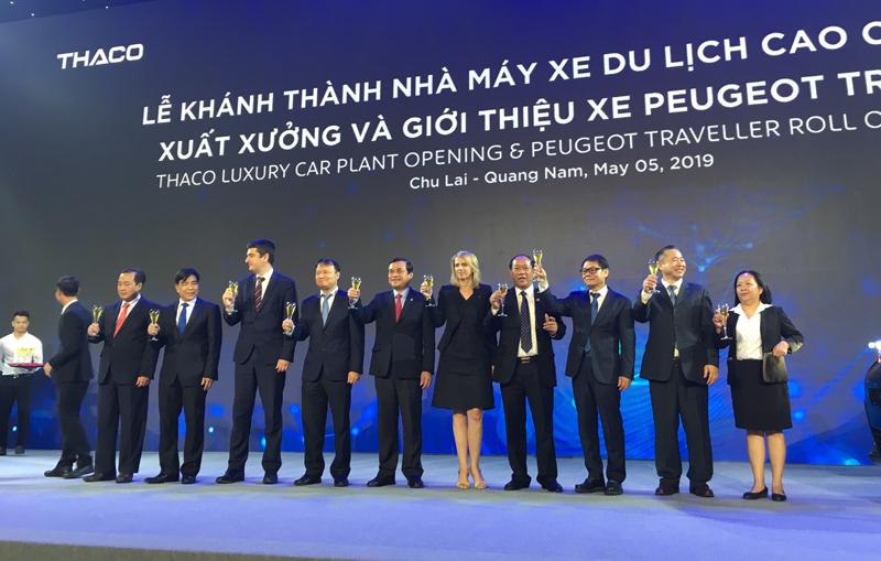 THACO nhận chuyển giao công nghệ sản xuất, lắp ráp Peugeot Traveller