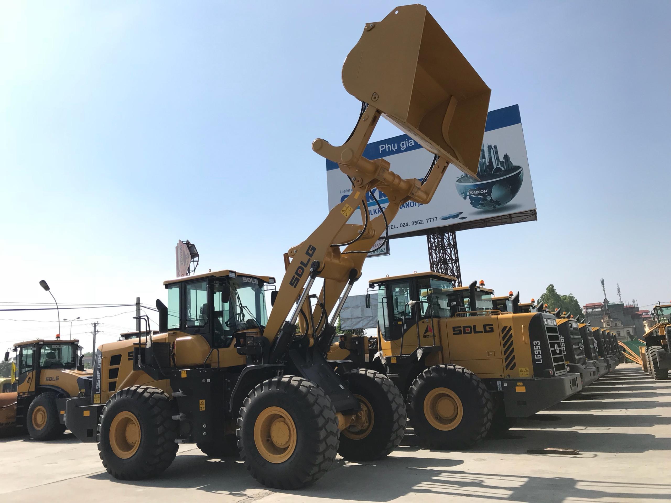 Máy xúc lật SDLG L956F-GBH đổ cao 4.5m