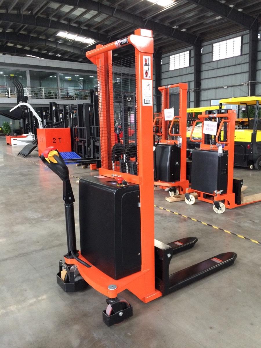 Xe nâng điện 1500 kg- 3m (CTDC1530)