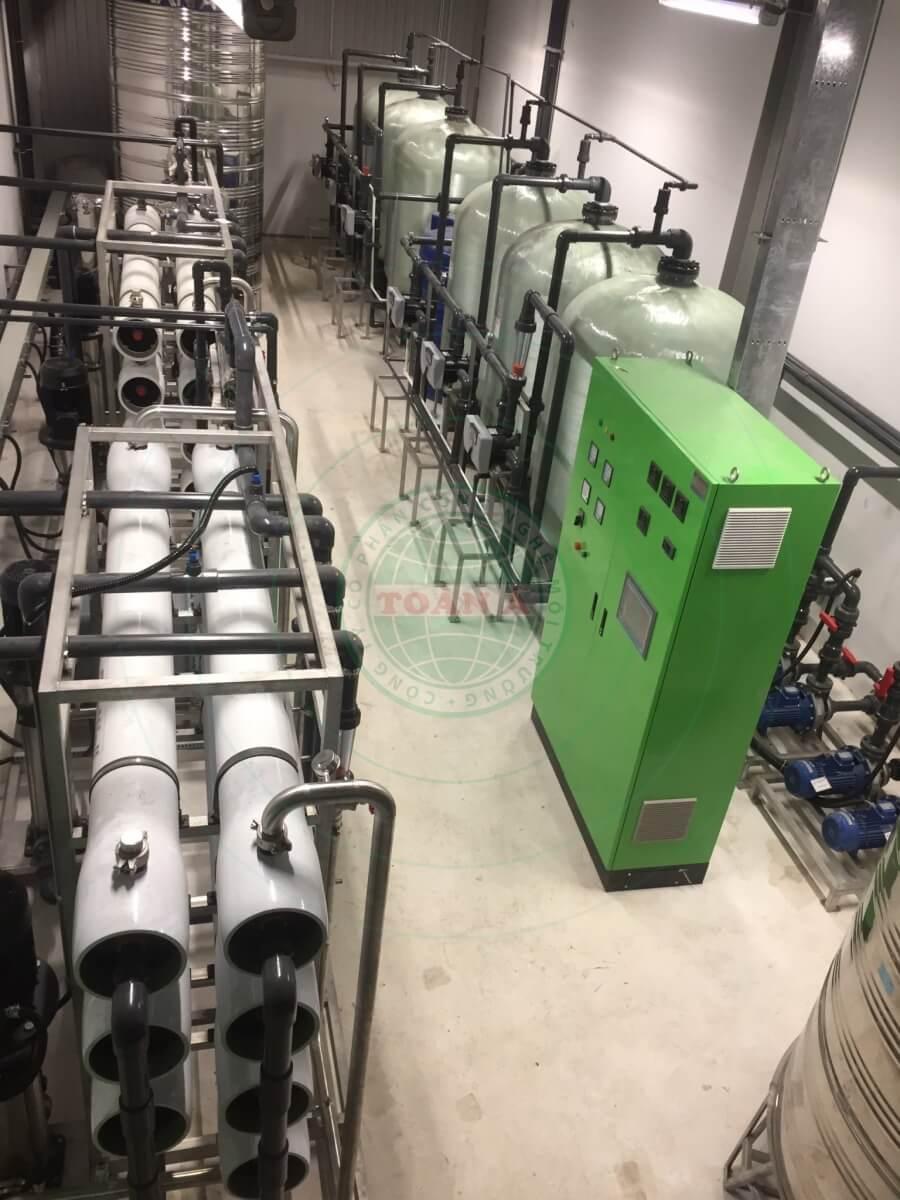 Hệ thống xử lý nước khử khoáng cho công nghiệp điện tử, xi mạ