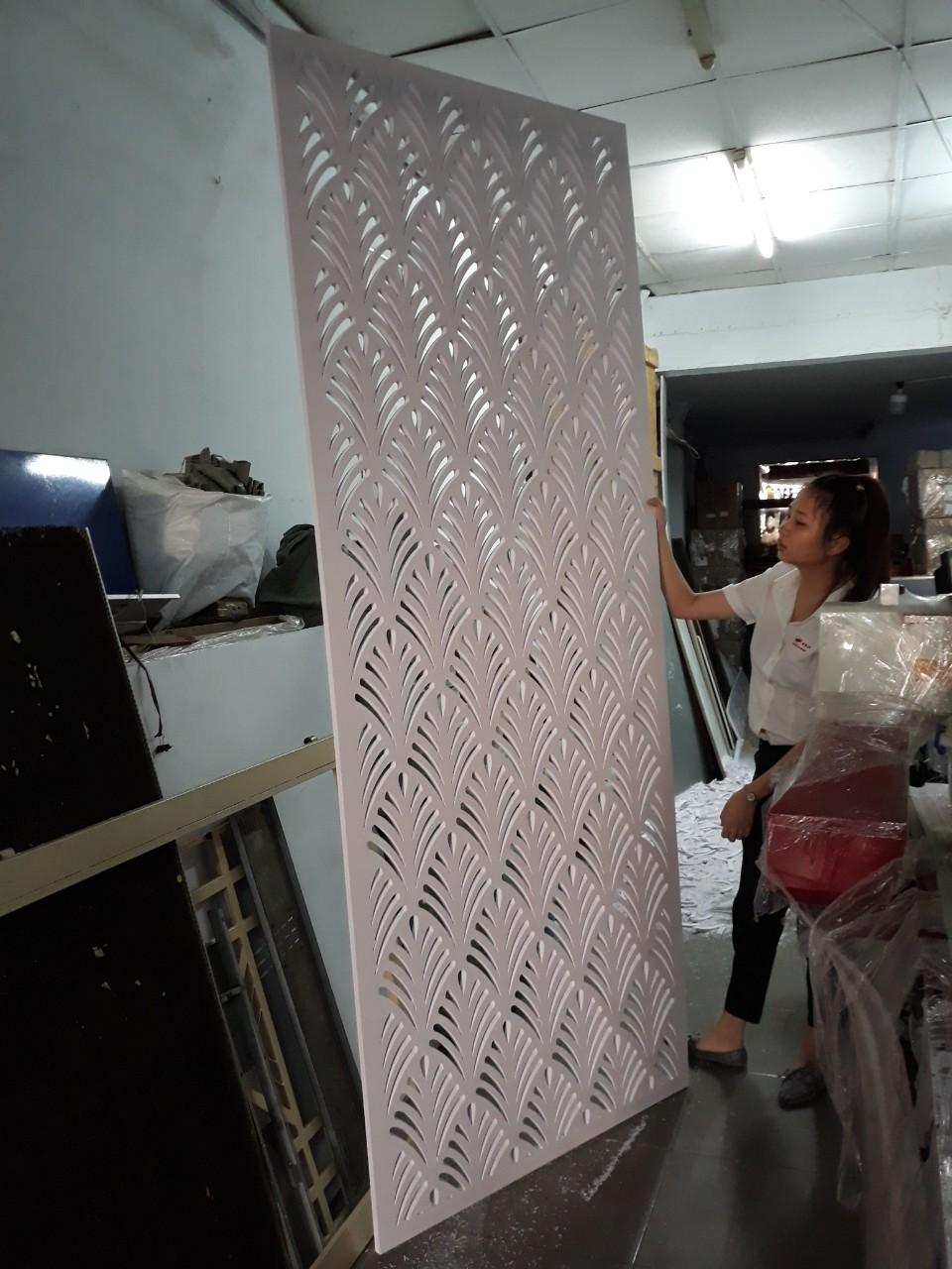 Nhận gia công hoa văn trên tấm nhựa Pima