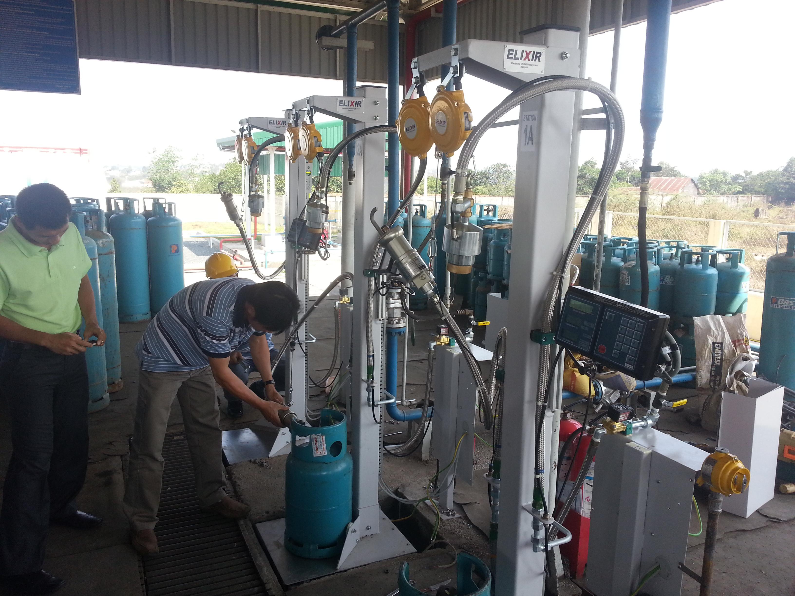 Máy nạp gas (LPG) Kosel loại EK670 C2