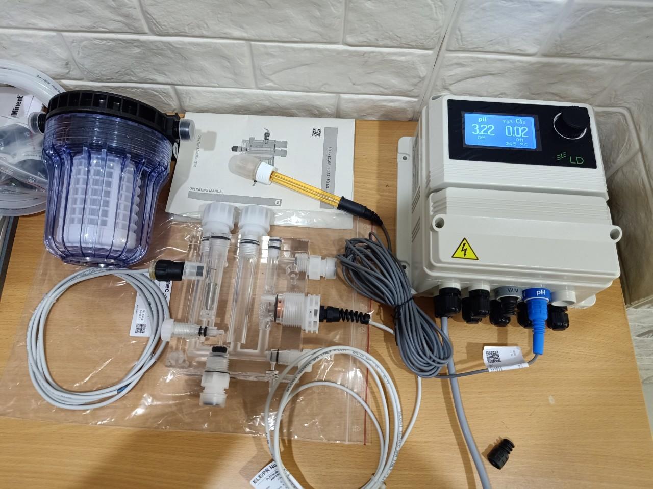 Máy đo pH, Chlorine và độ đục mã LDPHCL của hãng Emec- Sản xuất ở Châu Âu