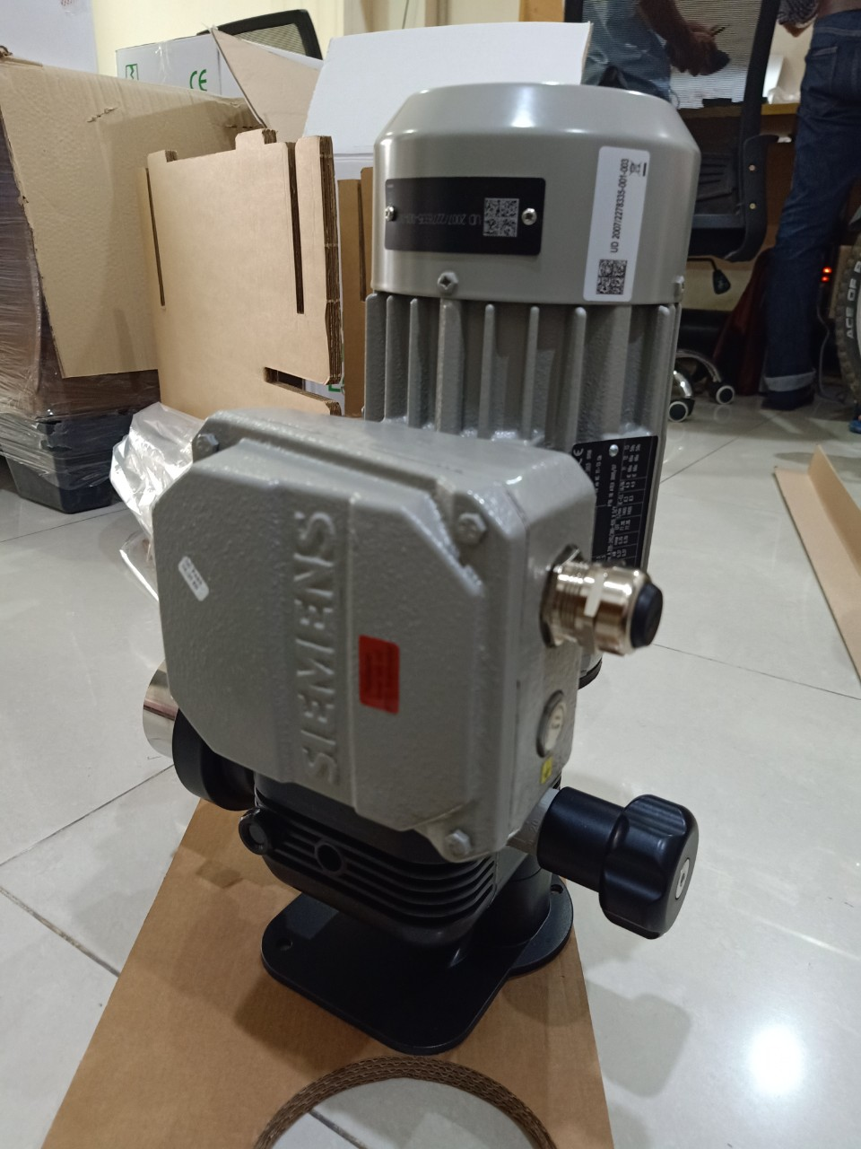 Bơm định lượng Emec loại Prius D chuẩn Atex (chống cháy nổ)