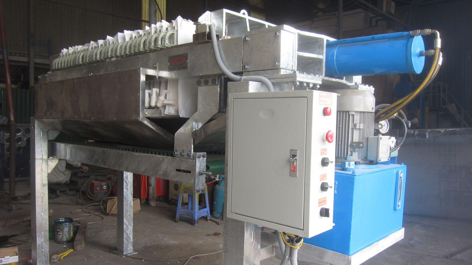 Rotec Việt Nam bàn giao máy ép lọc bùn khung bản cho khách hàng