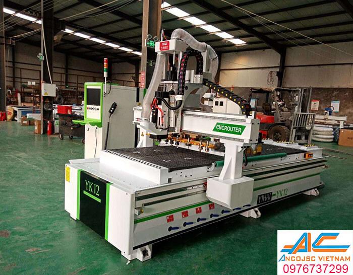 Máy CNC thay dao tự động YK12