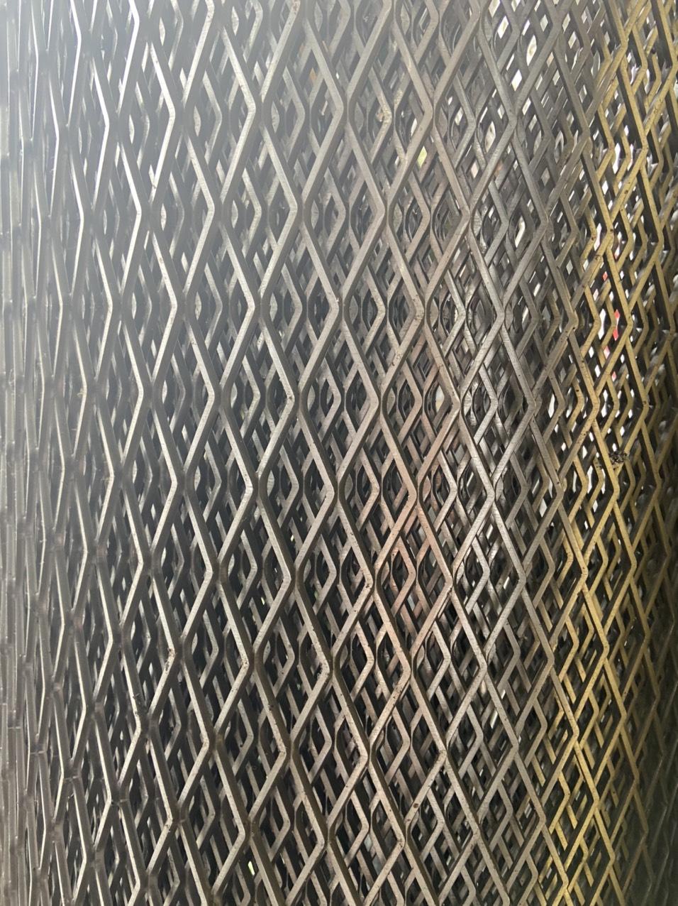 Lưới thép hình thoi mắt 30*60mm khổ 1m hàng có sẵn