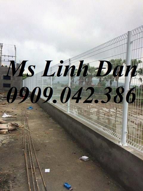 Lưới thép hàng rào gập tam giác 2 đầu