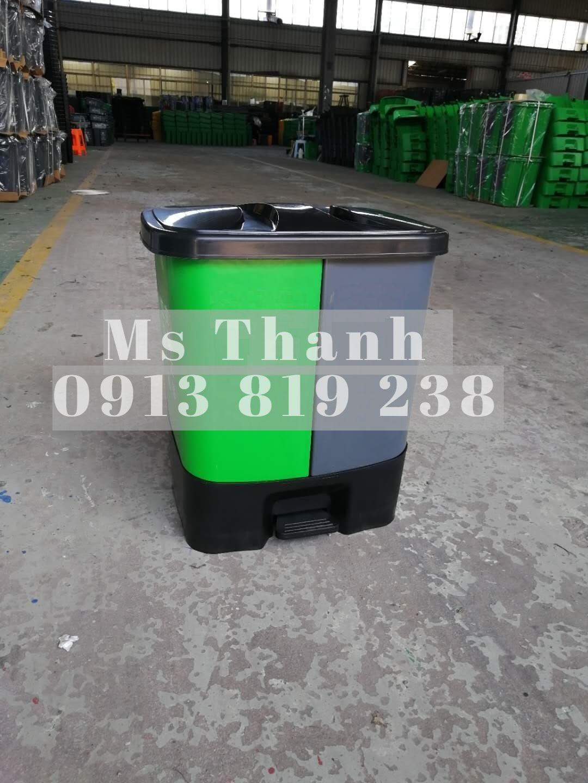 Thùng rác 2 ngăn có chân đạp