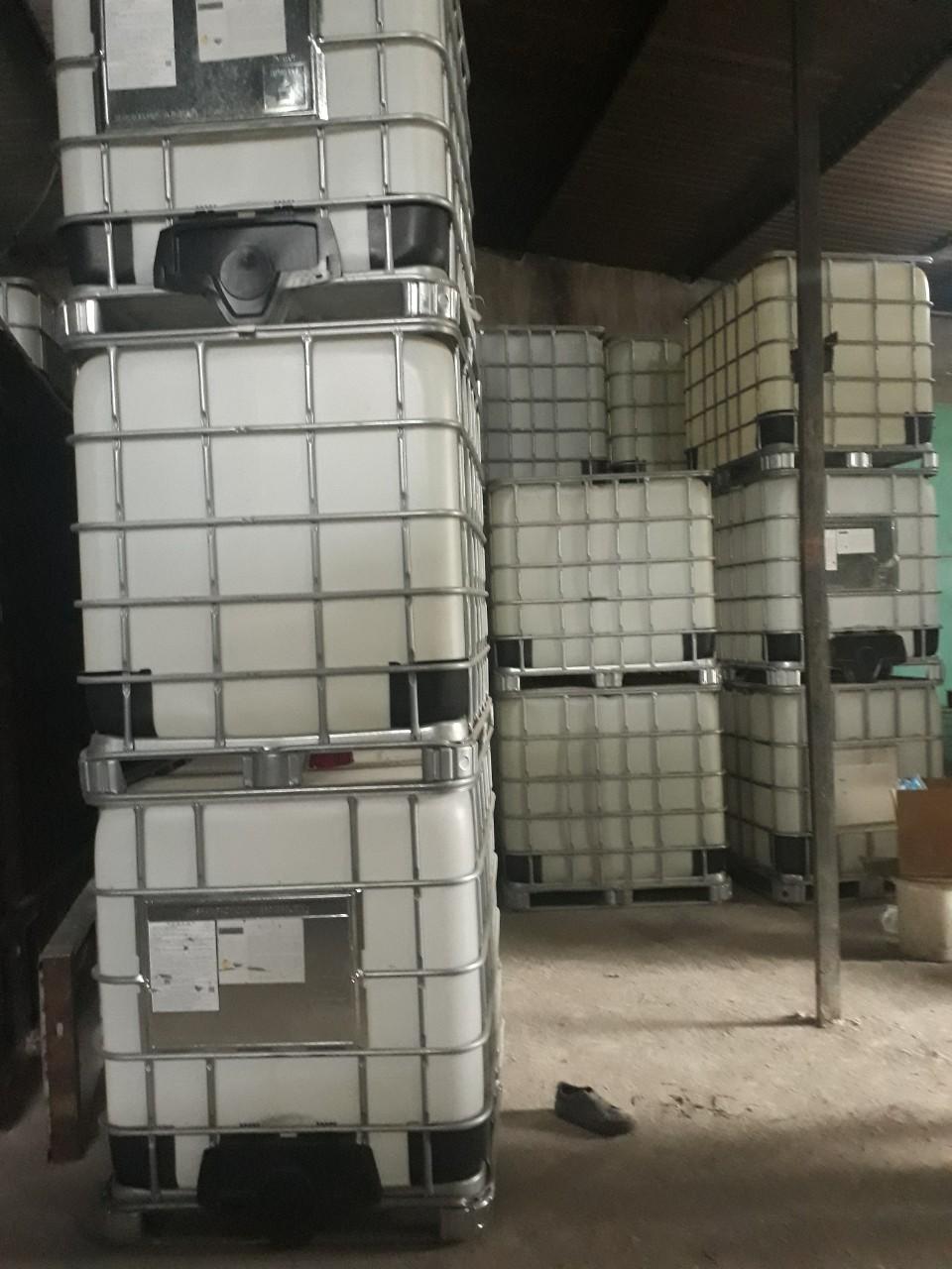 Thùng nhựa khung sắt 1000 lít