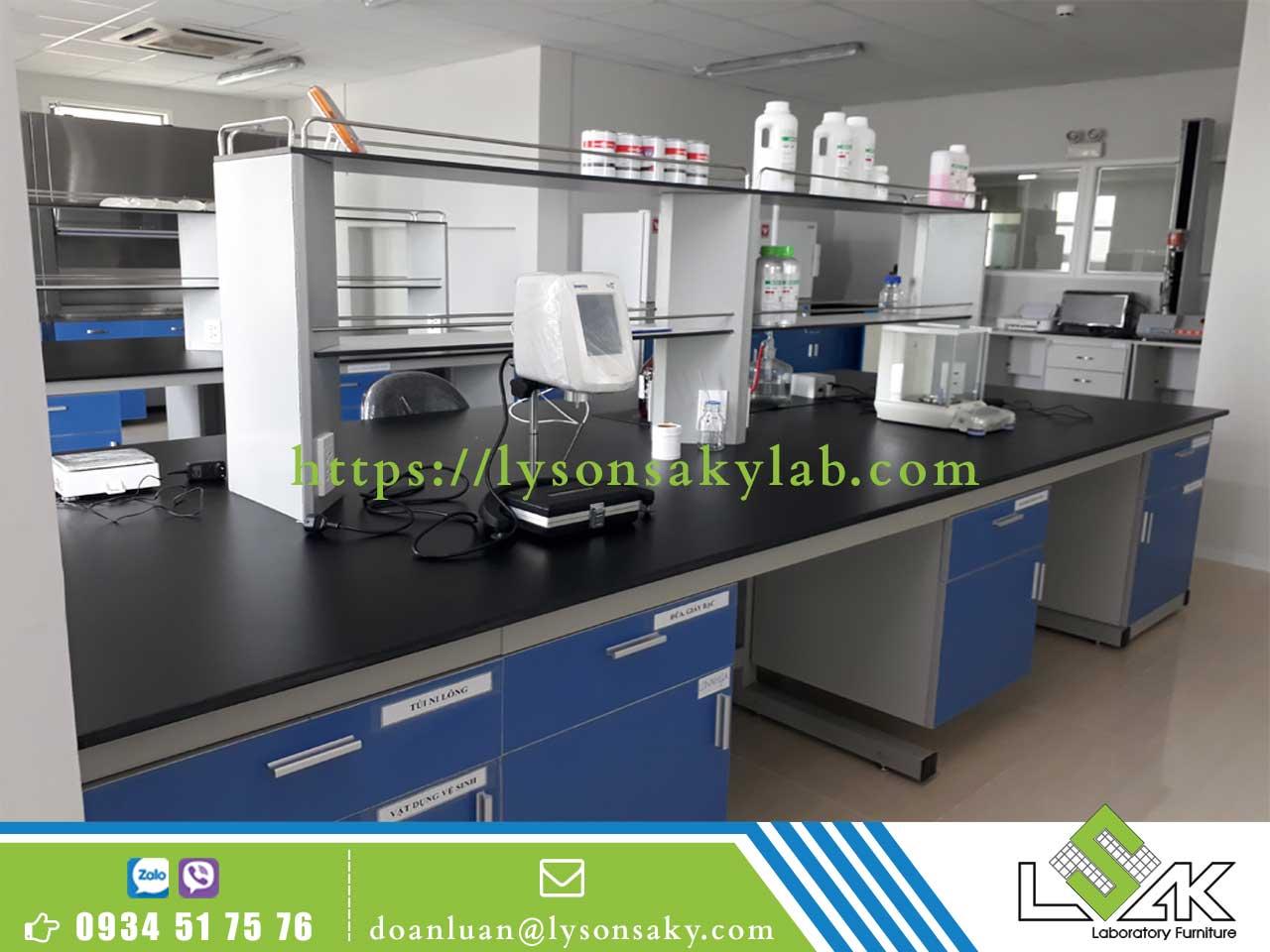 Bàn thí nghiệm trung tâm BTN-TTLSK01