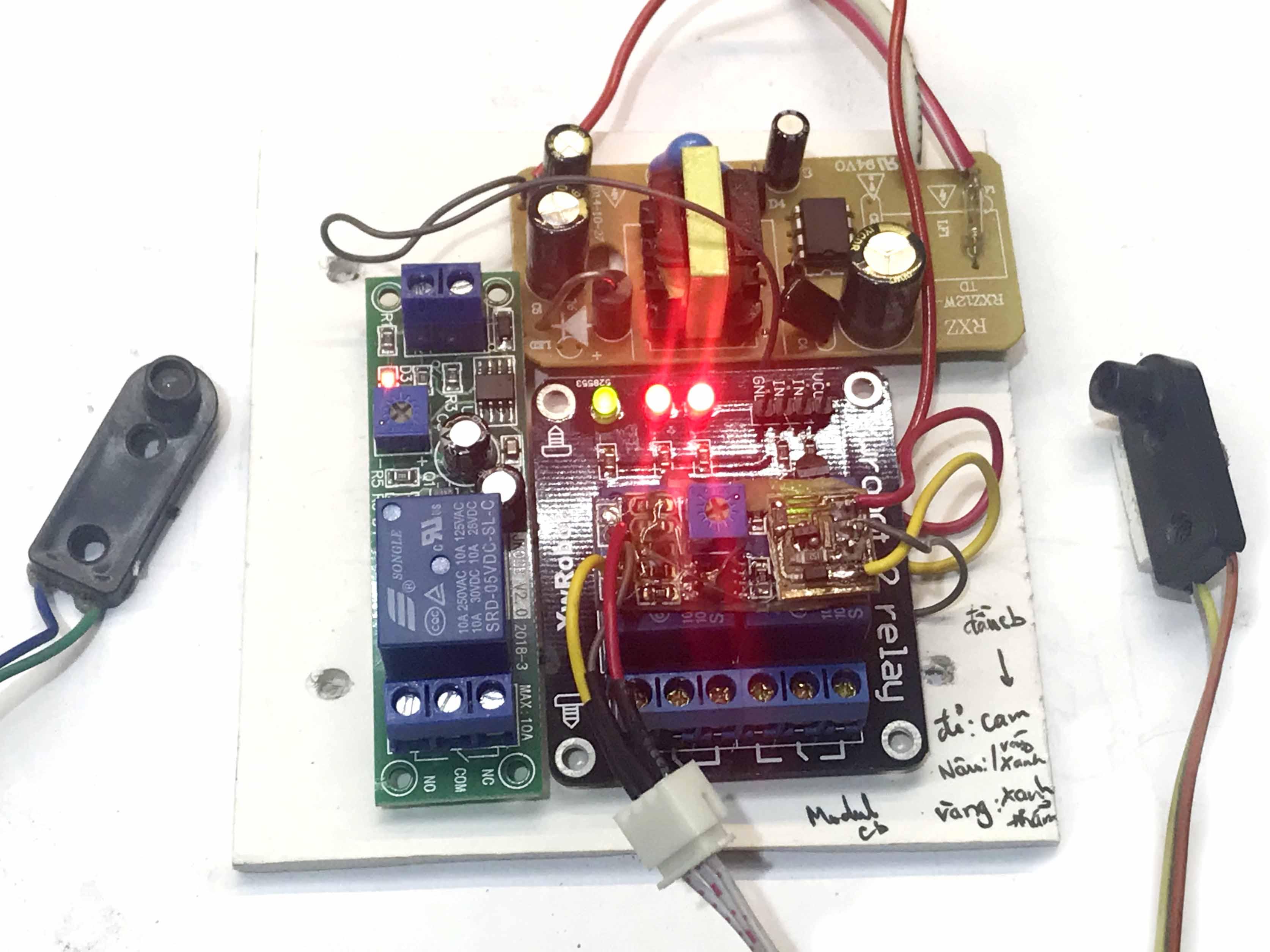 Bộ mạch điều khiển máy đánh giầy tự động