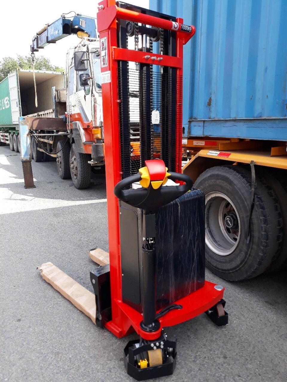 Xe nâng bán tự động 1 tấn nâng cao 1,6 mét