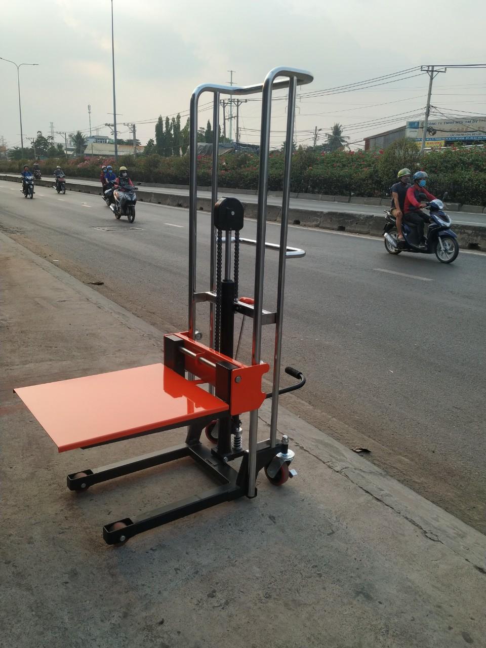 Xe nâng tay cao mini 400kg 1500mm