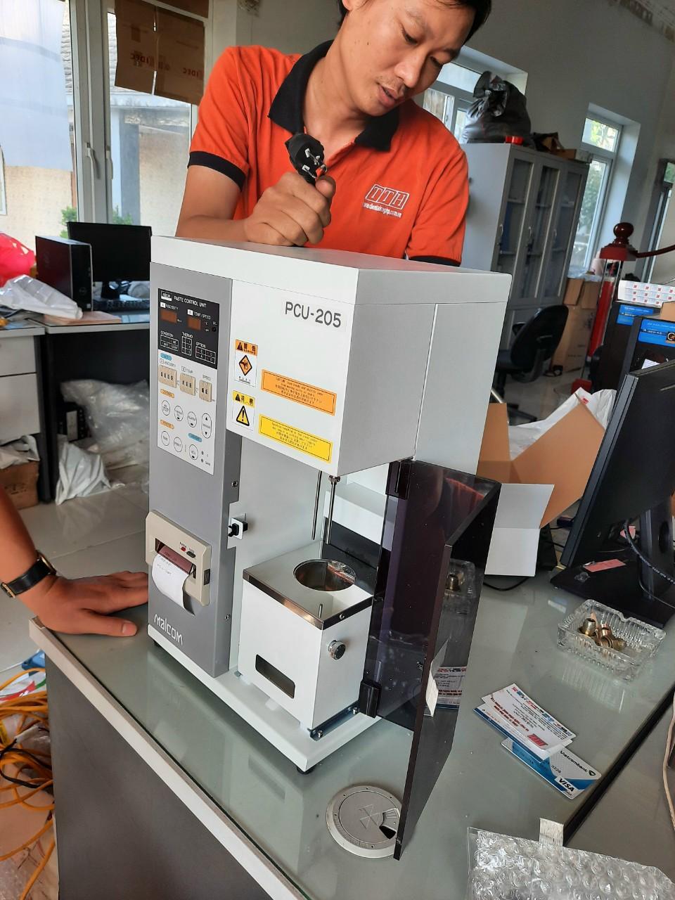 Máy đo độ nhớt kem hàn Malcom PCU 205