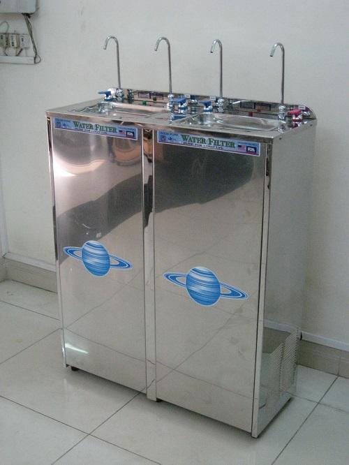 Máy lọc nước uống 4 vòi lạnh trực tiếp tiện lợi dễ sử dụng