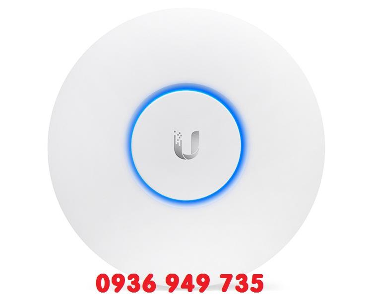 Thiết bị thu phát sóng WiFi - Ubiquiti UniFi® AP-AC-Lite
