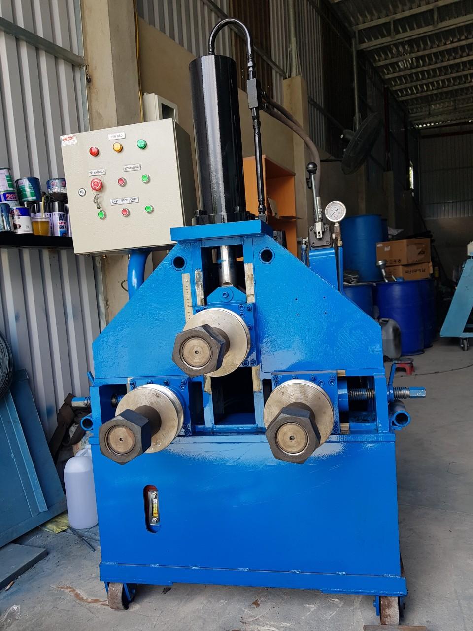 Máy uốn ống thủy lực D90