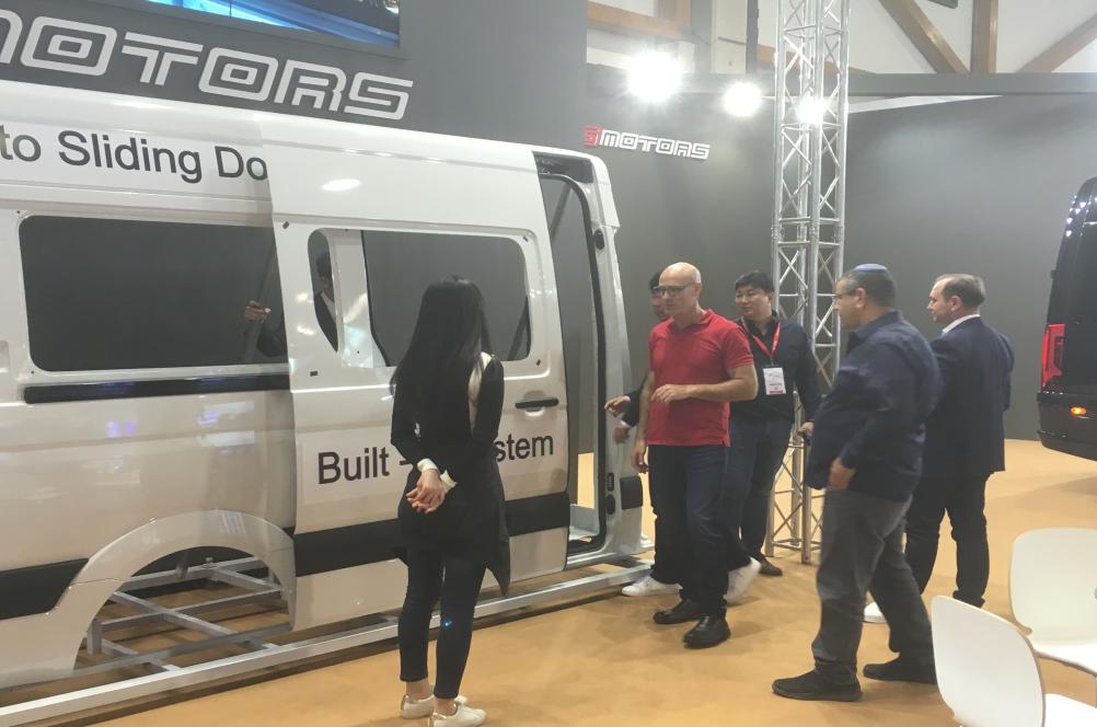 Công nghệ cửa trượt tự động cho dòng xe BENZ của S-MOTORS được Hyundai công nhận