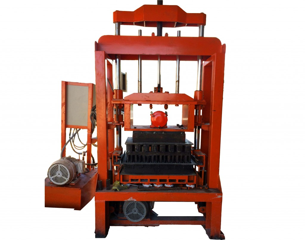 Máy ép gạch bán tự động TM02 - 15