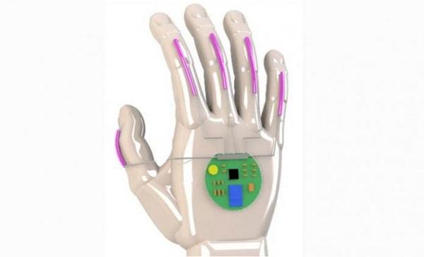 Găng tay thông minh có thể dịch ngôn ngữ ký hiệu sang lời nói