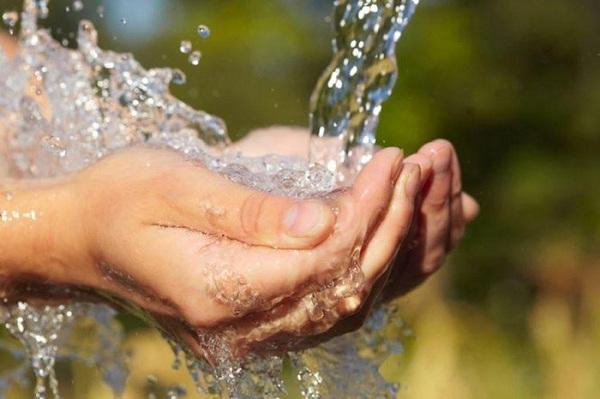 Màng rây siêu mỏng giúp loại bỏ chất độc hại trong nước