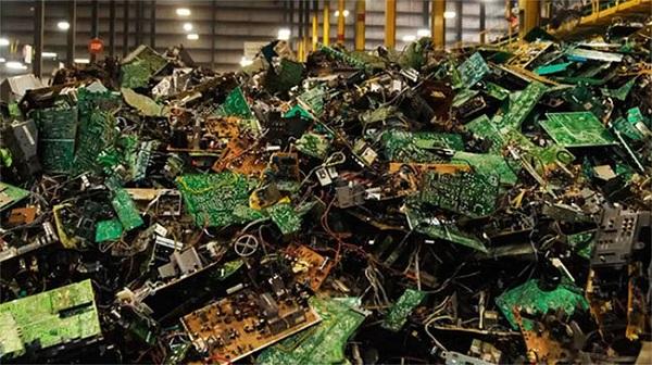 COP-180: Giải pháp chiết xuất các kim loại quý từ rác thải điện tử