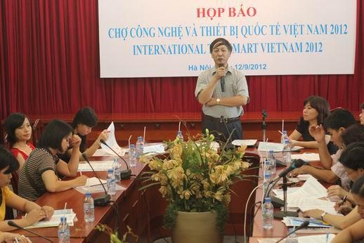 Họp báo về Chợ công nghệ và thiết bị quốc tế Việt Nam 2012