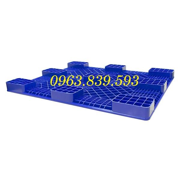 Pallet nhựa công nghiệp 1 mặt liền khối