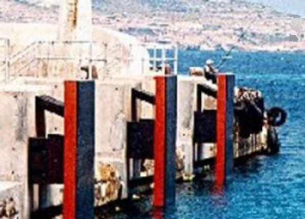 Tấm chắn nhựa UHMW-PE trong xây dựng cầu cảng, bến tàu