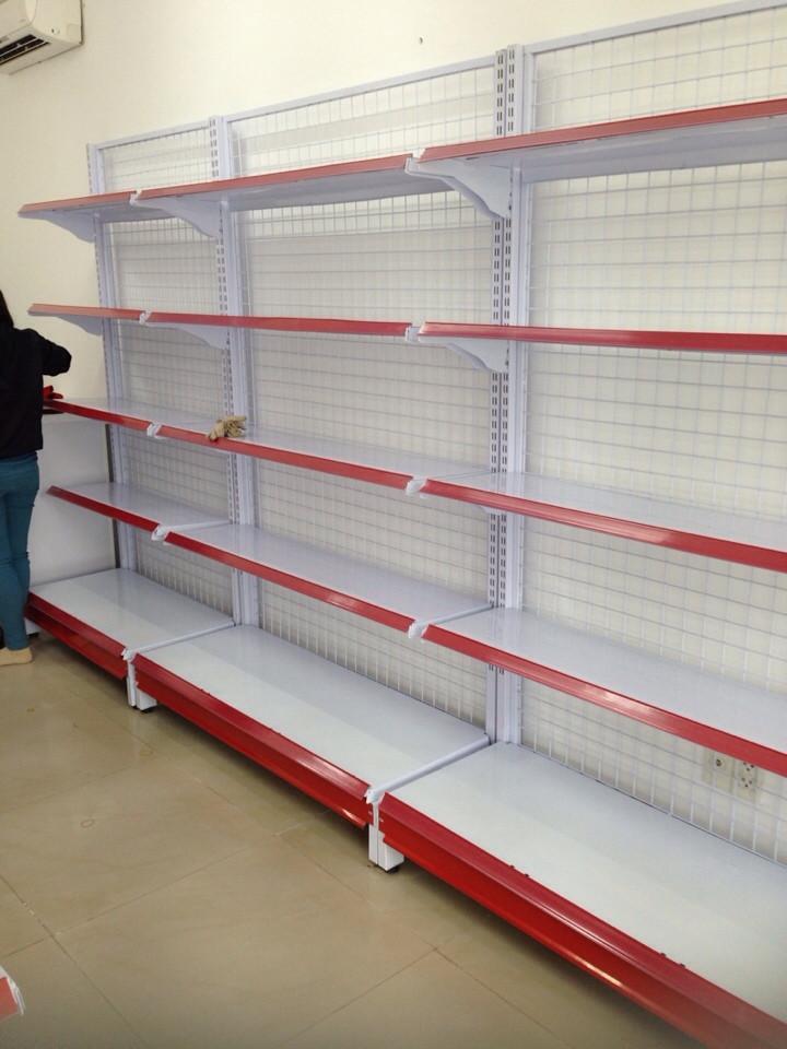 Kệ đựng hàng siêu thị