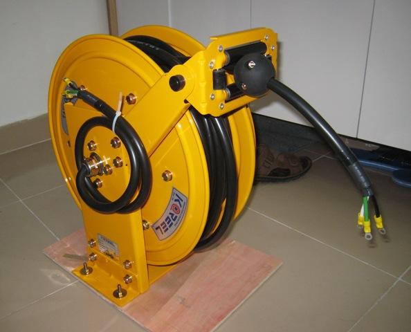 Ru lô cuốn cáp điện kiểu lò xo ALE - 415 - 3