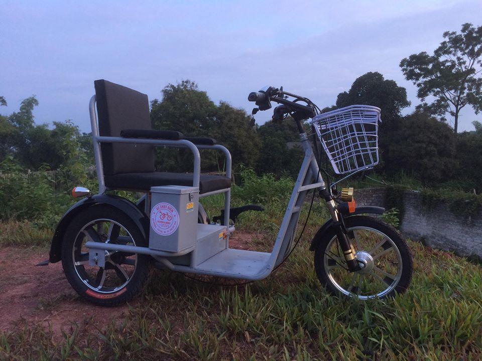 Xe lăn điện cho người khuyết tật- người cao tuổi