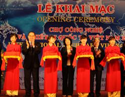 Khai mạc Chợ công nghệ và thiết bị quốc tế Việt Nam 2012