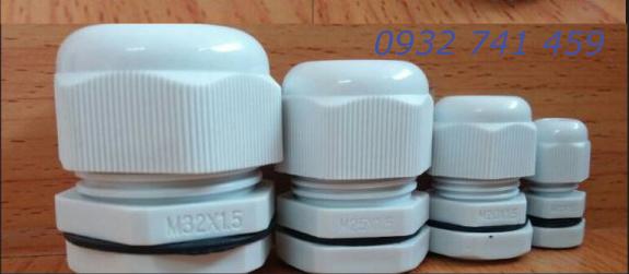 Ốc siết cáp bằng nhựa M12